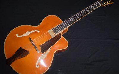 2005 Eastman AR905CE Uptown  –  £1199