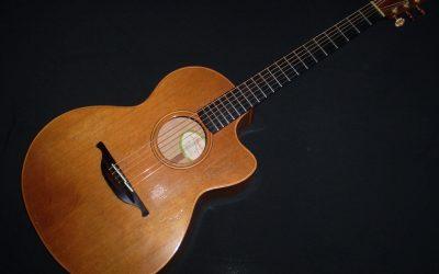 1994 Lowden S23c – £1999