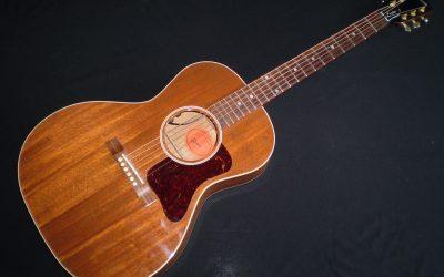 2016 Gibson L-00 Genuine Mahogany  –  £2199
