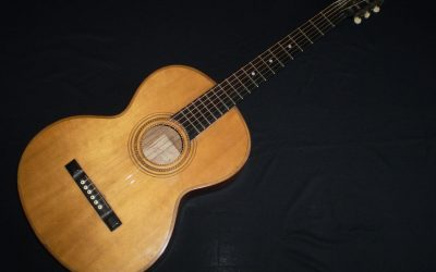 1905 Barnes and Mullins Parlour Brazilian Rosewood  –  £649